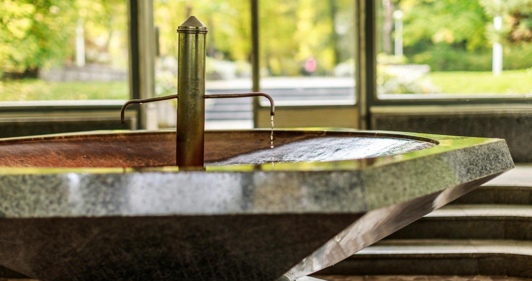 Prusíkův pramen ve Skleněném pitném pavilónu