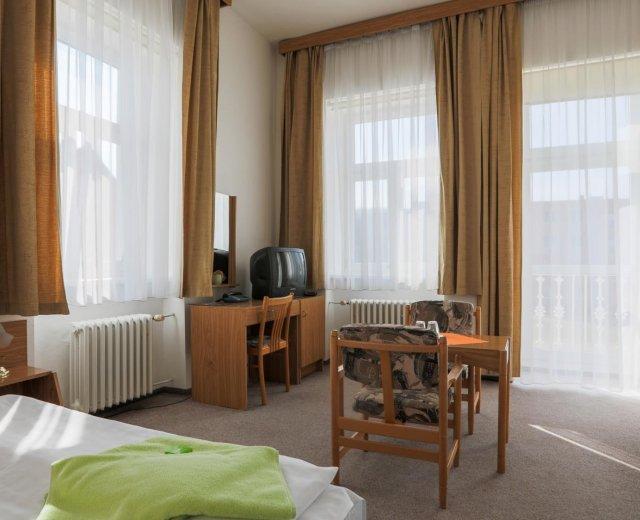 Dvoulůžkový pokoj v lázeňském pensionu Mánes