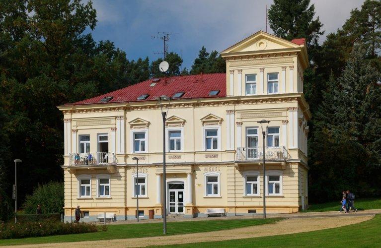 Lázeňský dům Mánes ***