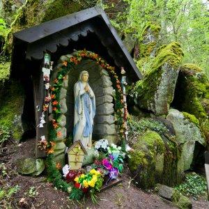 K Panně Marii ve skále